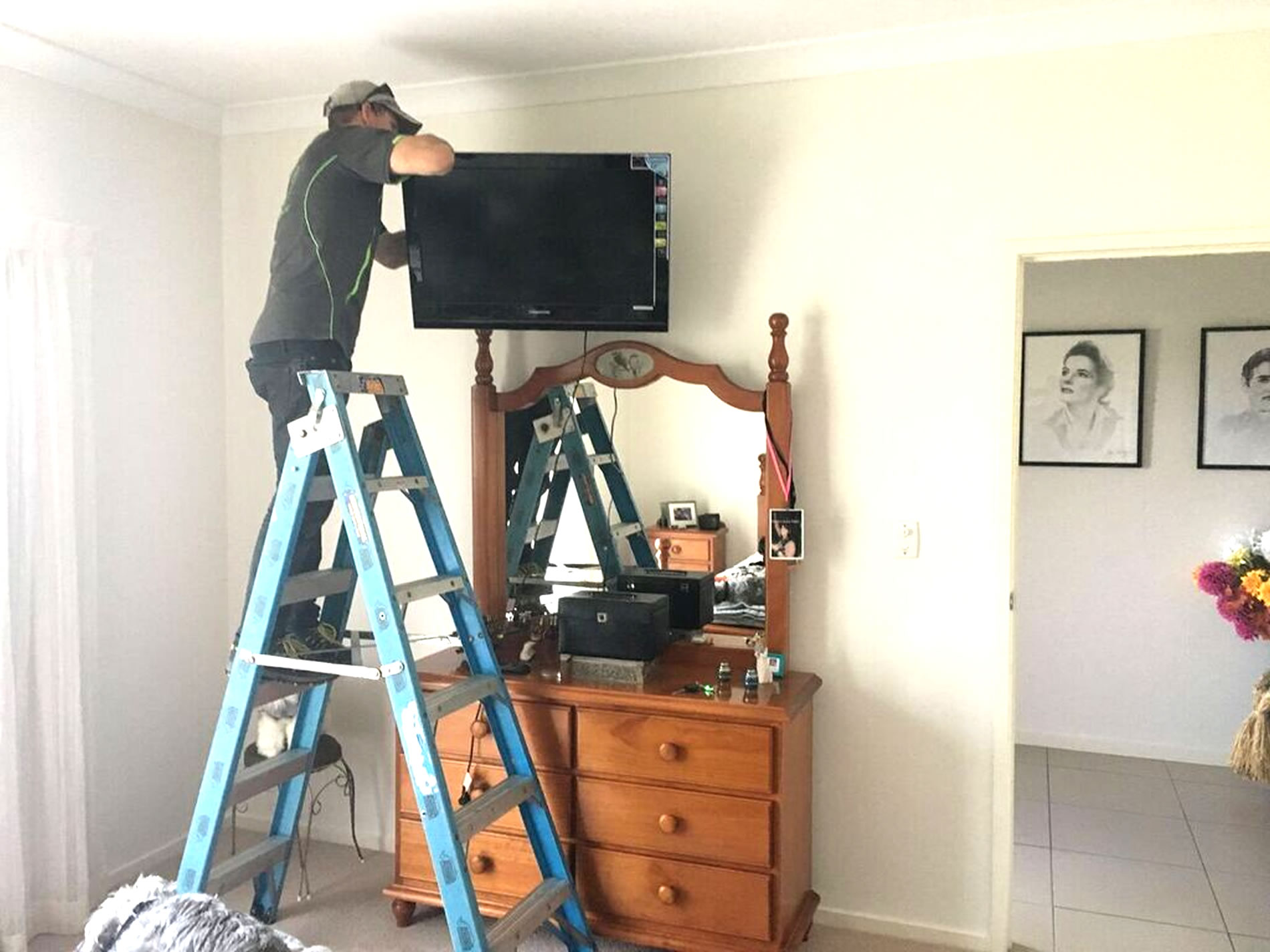 bedroom tv wall mounting gold coast