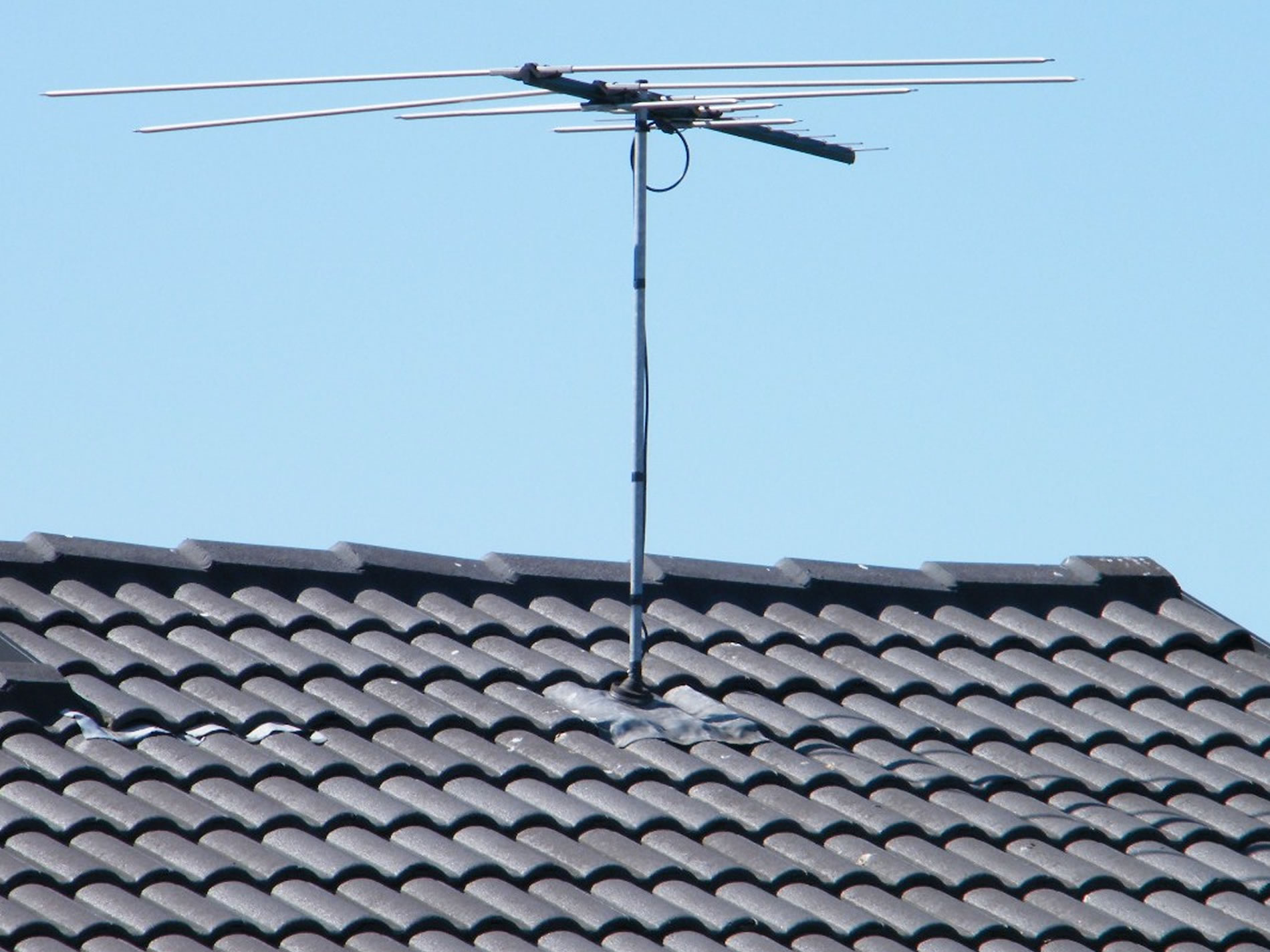 tv antenna roof installation and repair gold coast